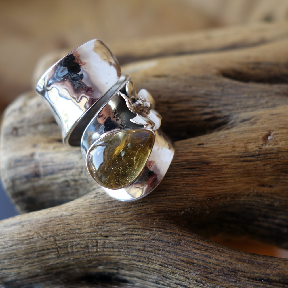 Size 7.5 Citrine with 925 Silver Flower and Bezel