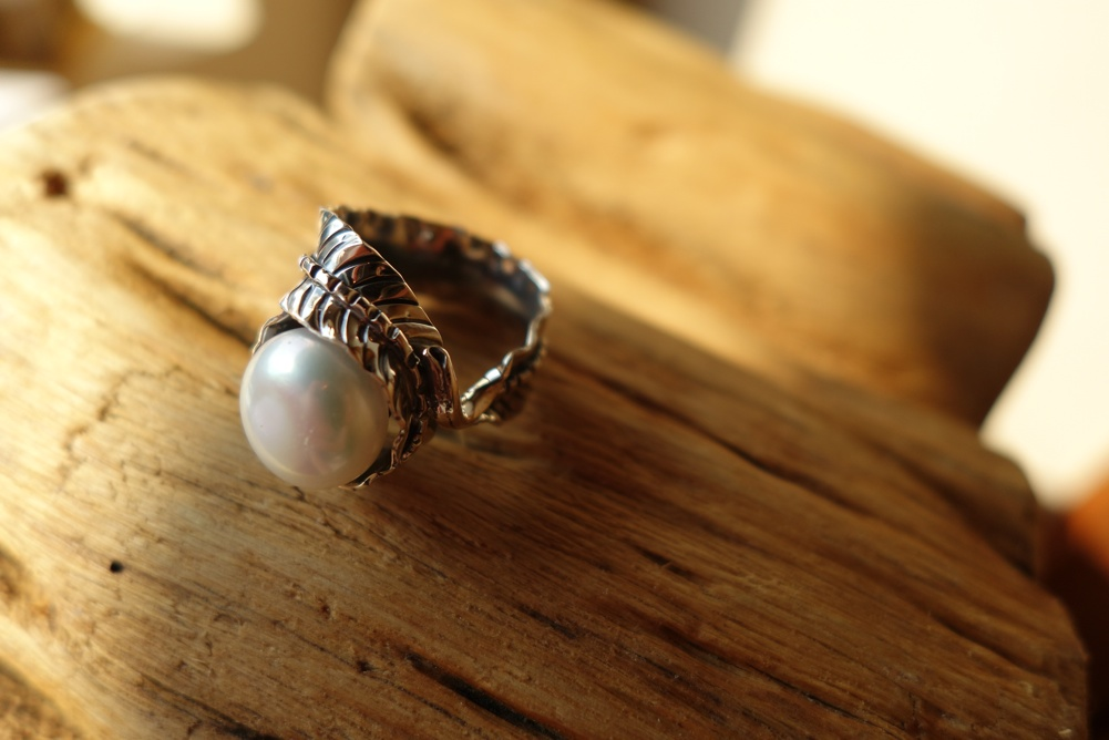 Size 8 Silver Ring with Pearl Leaf Adornment