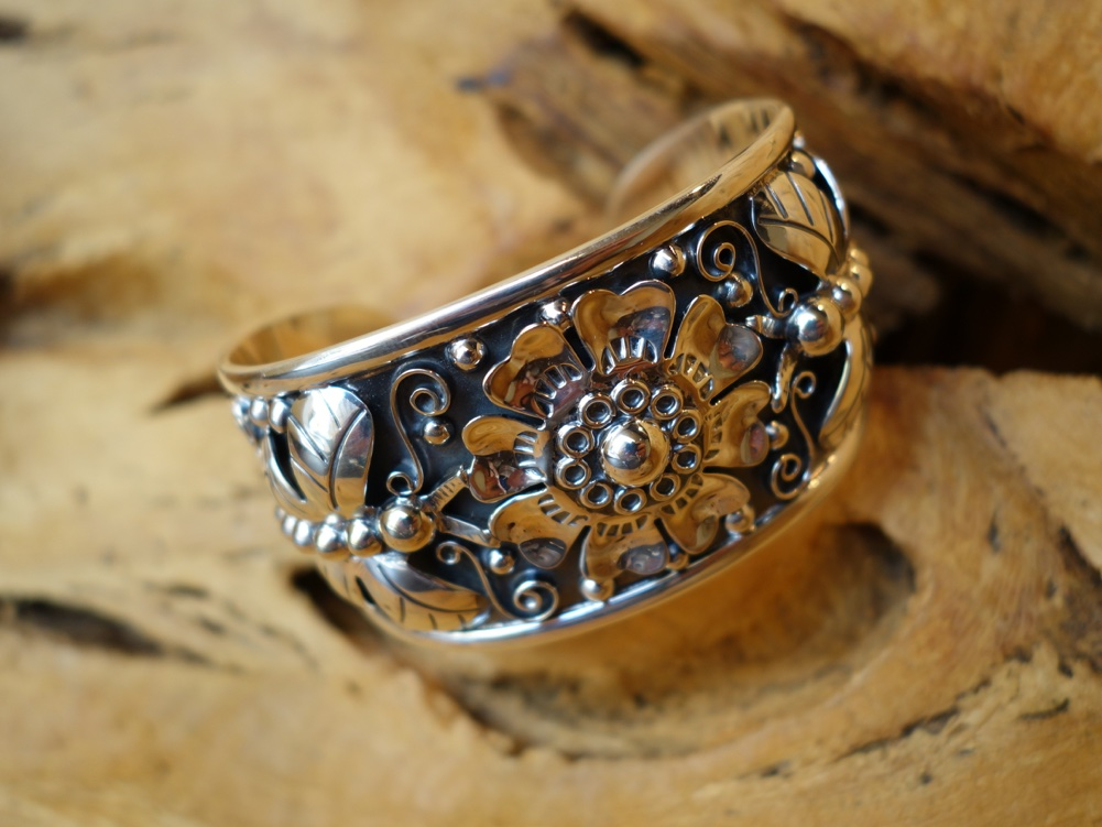 925 Sterling Silver Bracelet with Flower and Dragonflies