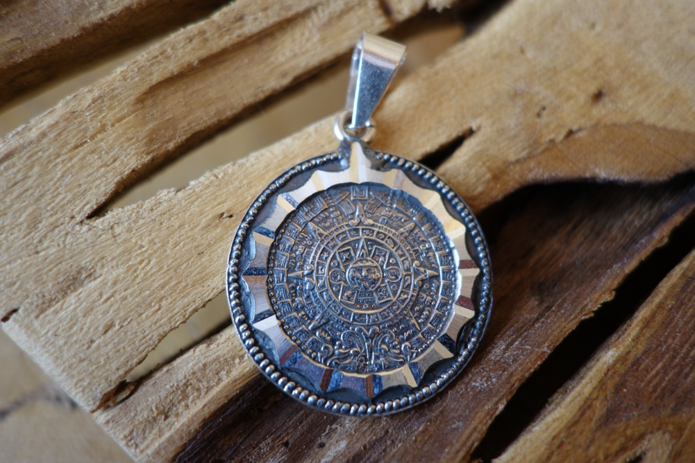 925 30mm Silver Mayan Design Round with Inlay