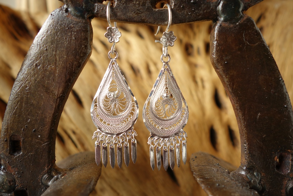 925 Silver Filigree 17mm wide Teardrop HANG Earrings