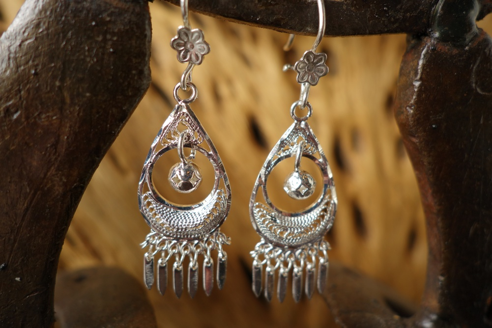 925 Silver Filigree 16mm wide Teardrop with Ball HANG Earrings