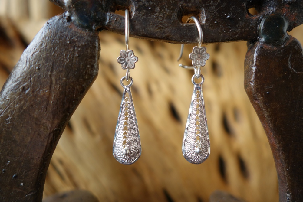 925 Silver Filigree 24mm long Teardrop HANG Earrings