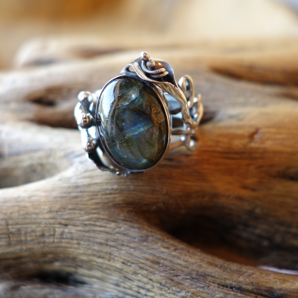 Size 7.5 Labradorite and 925 Silver Ring