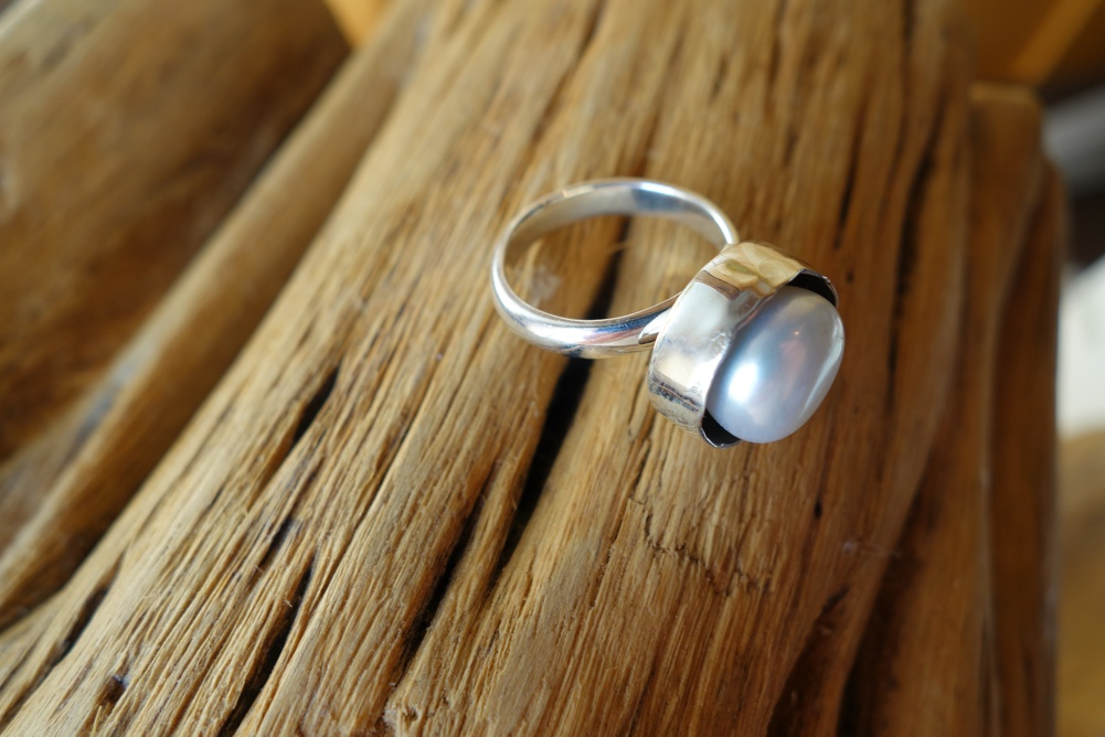 Size 8 Silver Ring with Pearl