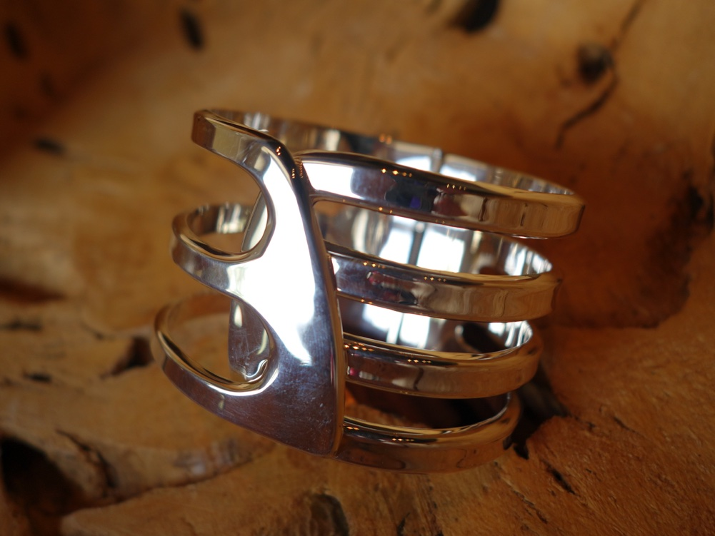 6.5cm CUFF with Modern and Hinge