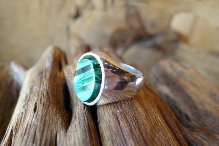 Size 12 925 Silver Ring with Malachite Stone Inlay