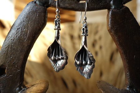 925 Silver Calililly with Scored Detail HANG Earrings